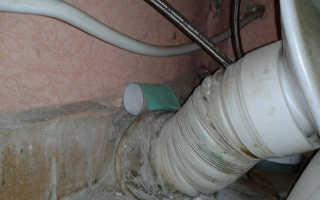 Почему пахнет в туалете канализацией, избавляемся от запаха