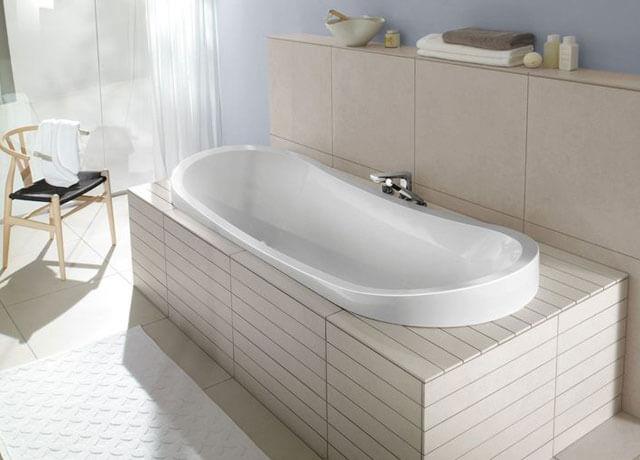 установка ванной в ванной комнате