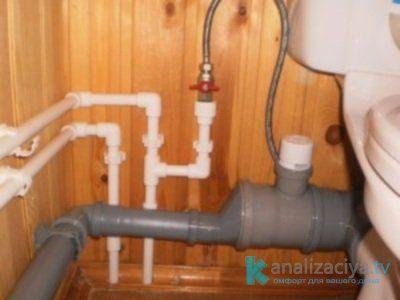 Установка канализационной трубы 100 мм