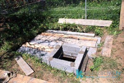 Верхняя часть выгребной ямы из кирпича