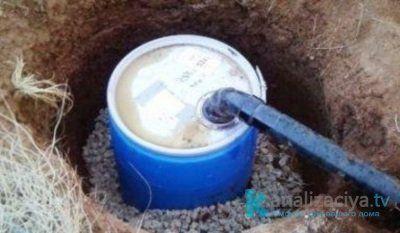 Установка выгребной ямы из пластиковых колец