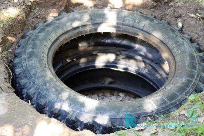 Как сделать выгребную яму из шин?