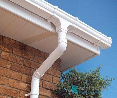 Особенности пластиковых водостоков для крыши