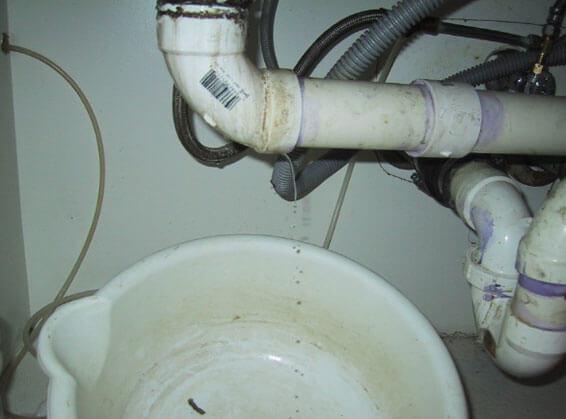 как устранить течь канализации