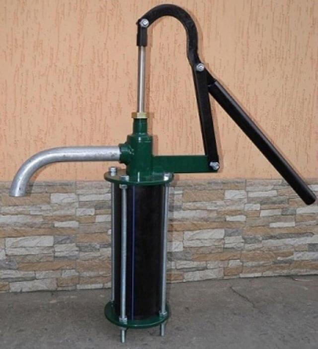 ручной насос для воды из скважины