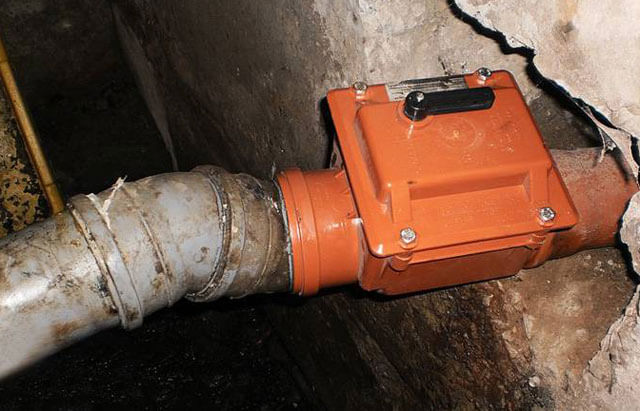 как работает обратный клапан для канализации