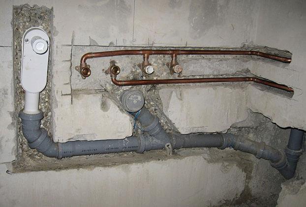 крепление для канализационных труб