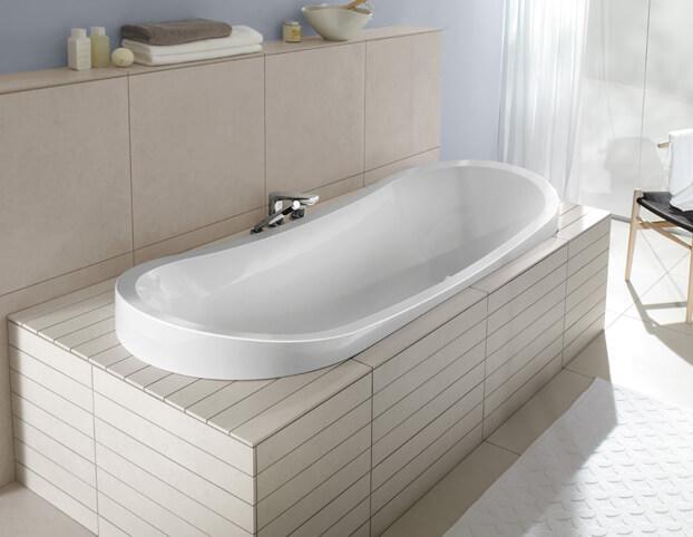 как установить угловую акриловую ванну своими руками