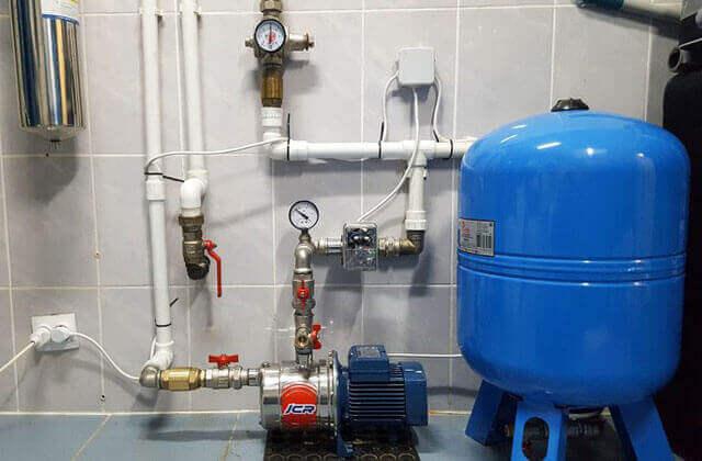 установка водяного насоса в частном доме
