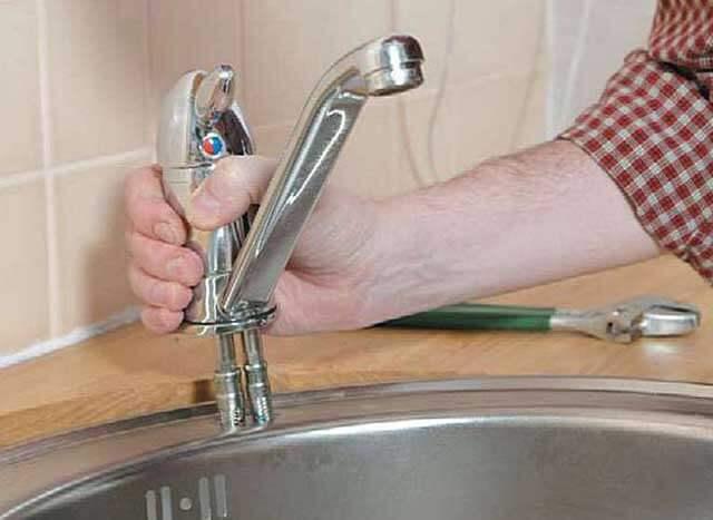 как поставить водопроводный кран