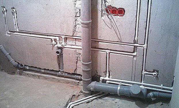 как поменять канализационные трубы в квартире