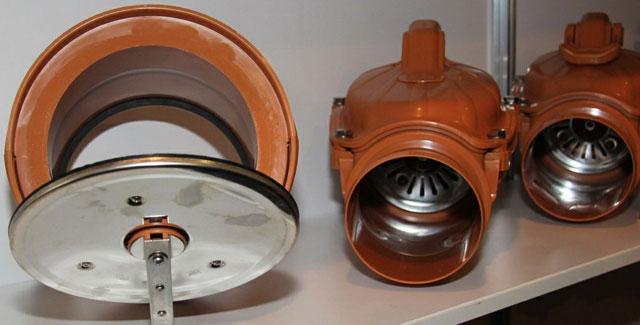 обратный клапан на 50 трубу канализации