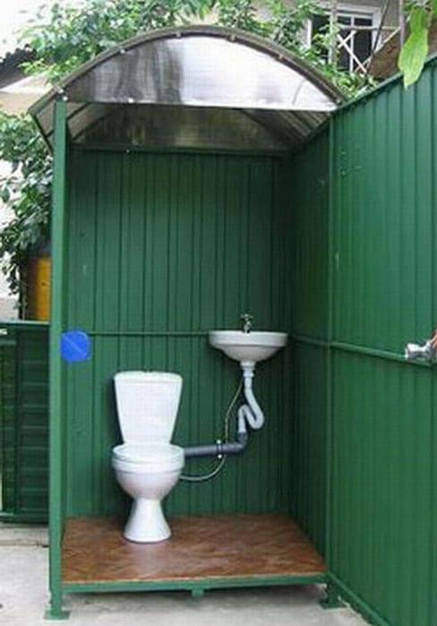 какой туалет на даче лучше