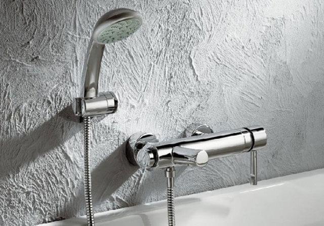кран в ванную комнату с душем