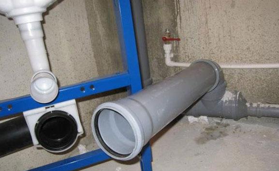 минимальный уклон канализационных труб для самотека
