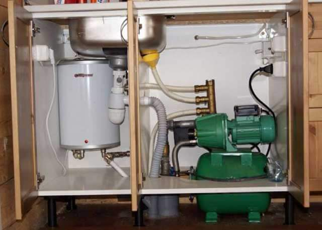 повысительный насос для водопровода