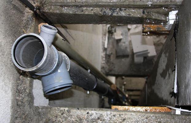 канализационный стояк в многоэтажном доме