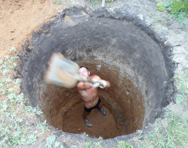 как выкопать сливную яму