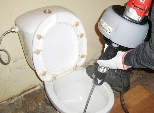 забился туалет как прочистить