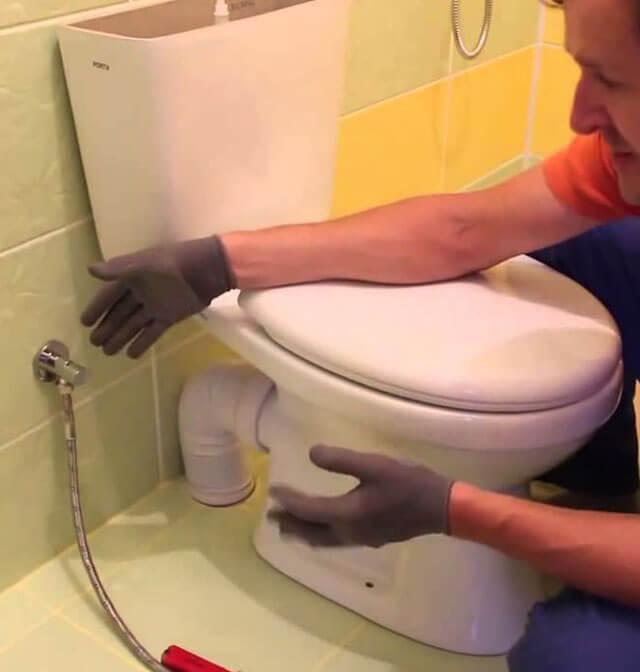 соединение унитаза с канализацией