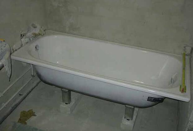 установка стальной ванны на ножки установка акриловой ванны на ножки