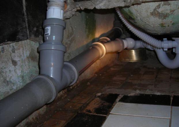 монтаж канализации в квартире своими руками