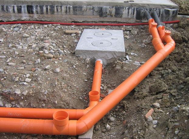 укладка канализационных труб своими руками