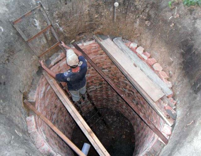 постройка туалета на даче своими руками