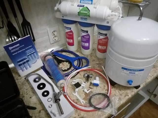 замена фильтра очистки воды