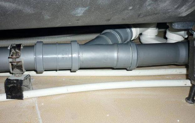 установка канализации в квартире